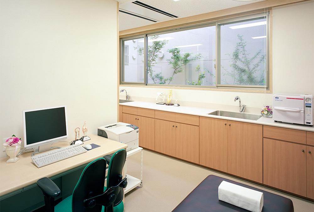 012.診 察 室